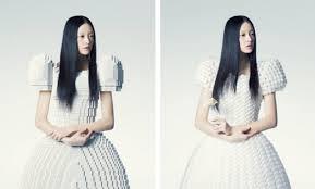 Robe de mariée en lego par la designer japonaise Rie Hosokkai