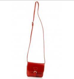 Ce que la façon de porter votre sac dit de vous