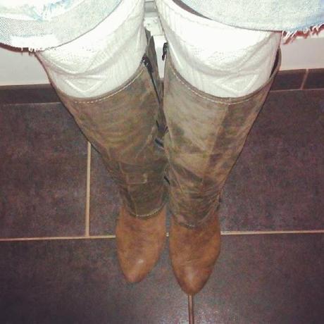 Mes bottes hautes, je les porte... #3 Le short destroy et chaussettes montantes!
