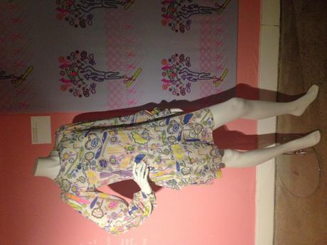 robe-zandra-rhodes-sylivia-ayton-fashion-et-textile