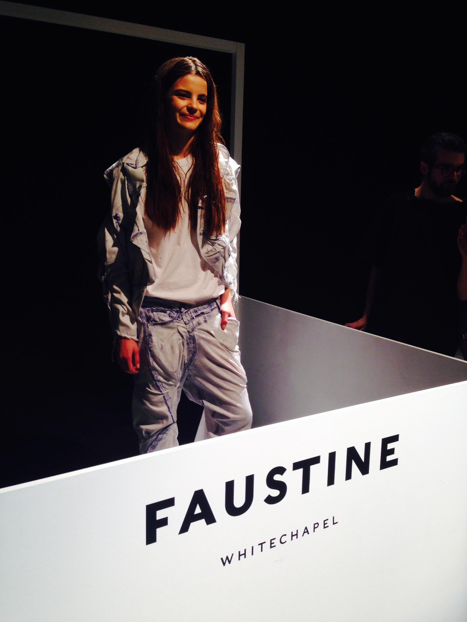 faustine-steinmetz-mode-art-denim-jean-bleu