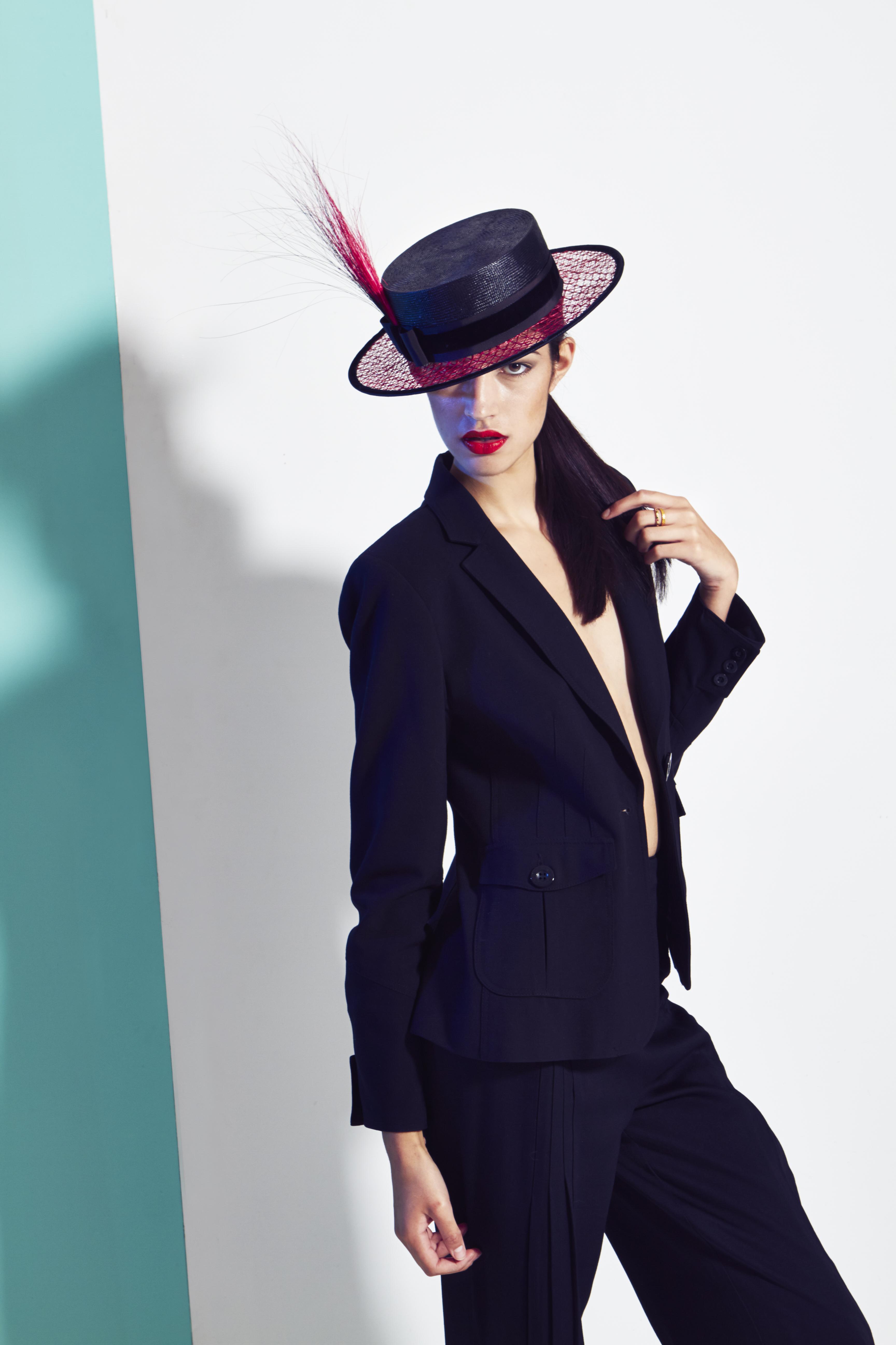lisa-tan-millinery-chapeau-nouvelle-creatrice-mode-luxe-londres