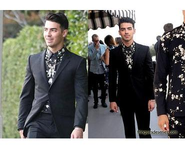 STYLE : Joe Jonas, black suit and Givenchy shirt