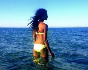 De retour - Néon bikini #1