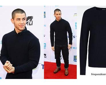 STYLE : Nick Jonas in Armani on the red carpet