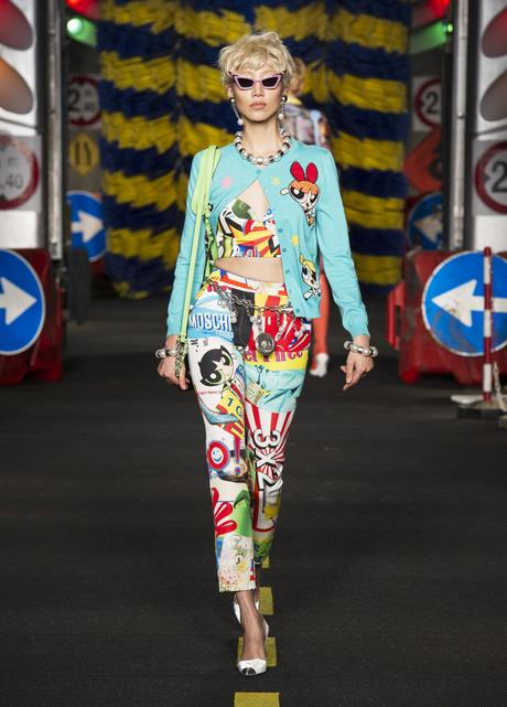 moschino-collection-chantier-route-jeremy-scott