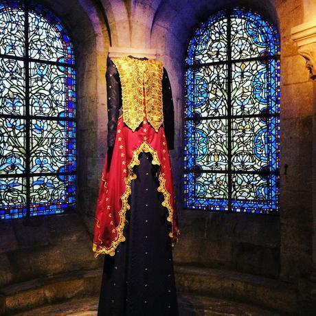 exposition-robes-geantes-basilique-saint-denis-lamyne