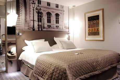 h tel la lanterne paris. Black Bedroom Furniture Sets. Home Design Ideas