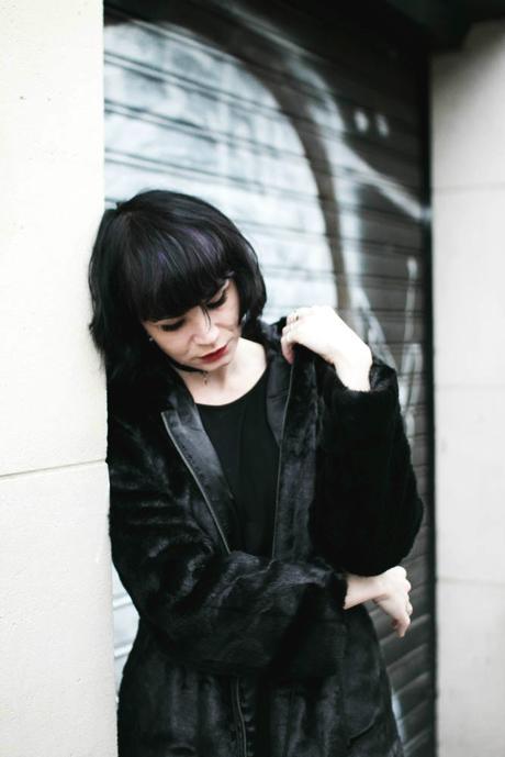 manteau-fausse-fourrure-noire
