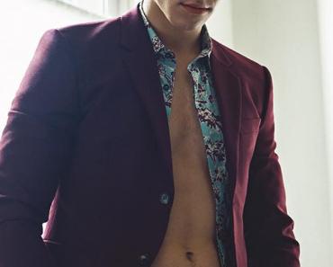 SEXY : les abdos de Shawn Mendes dans l'Uomo Vogue