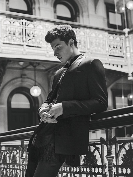 shawn-mendes-luomo-vogue-shirtless-pictures-spread-2