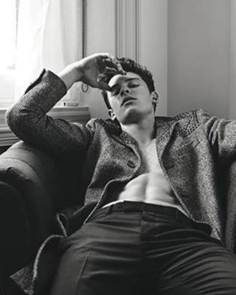 shawn-mendes-luomo-vogue-shirtless-pictures-spread-3