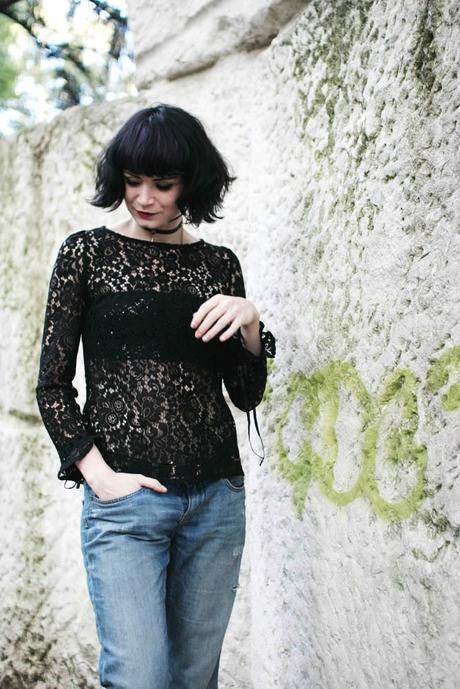 fille-blouse-dentelle
