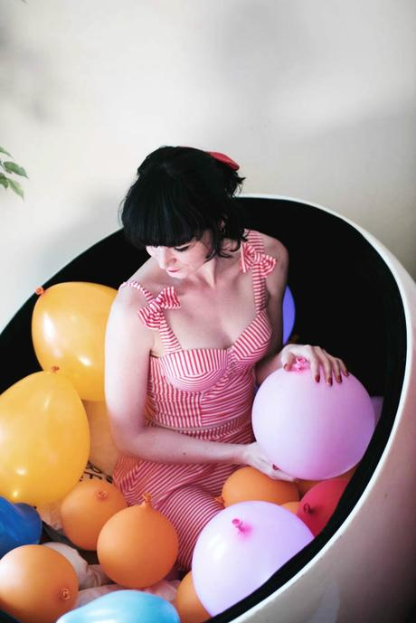 fille-boule-ballons