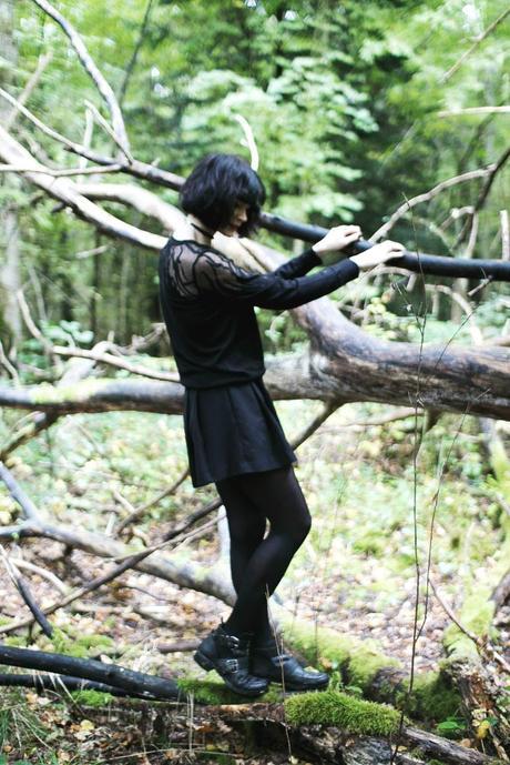 fashion-blogger-forest