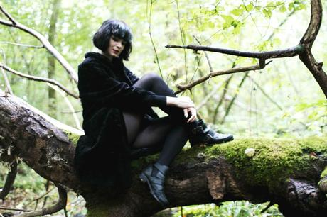 outfit-in-the-woods