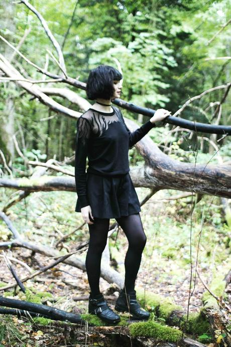 outfit-in-the-forest