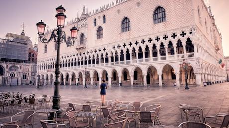 piazza san marco : robe bleue