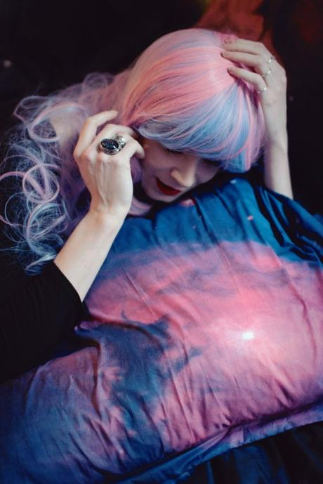 pink-and-blue-wig