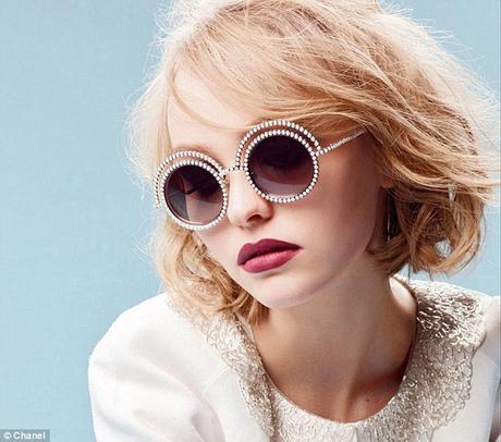 Lily-Rose Depp : la coupe courte pour Chanel !