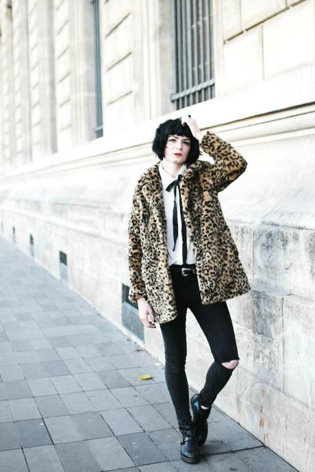 fake-leopard-coat-outfit