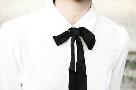 white-shirt-black-knot