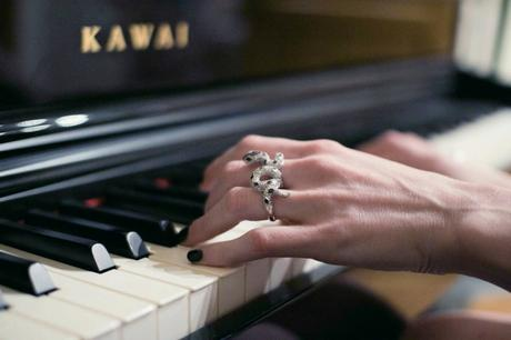 double-finger-snake-ring