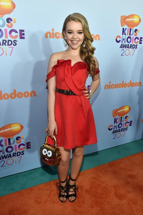 Kids' Choice Awards 2017 : Jade Pettyjohn, awesome in red