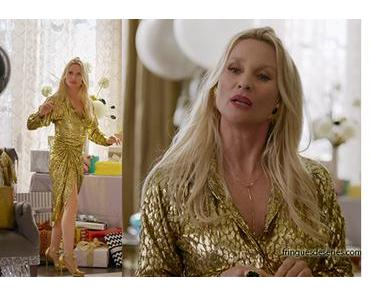 DYNASTY : Alexis wearing a golden ensemble in ep17