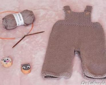 Petite salopette en tricot