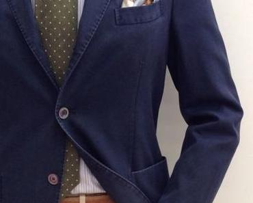 Que porter avec une veste bleue marine ?