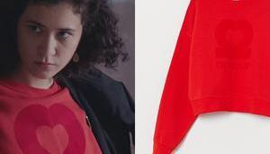 """DEMAIN NOUS APPARTIENT sweat rouge """"Amour"""" Mathilde dans l'épisode"""