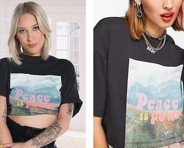 """INFLUENCES : le t-shirt """"peace is power"""" d'Emy sur un visuel de la série"""